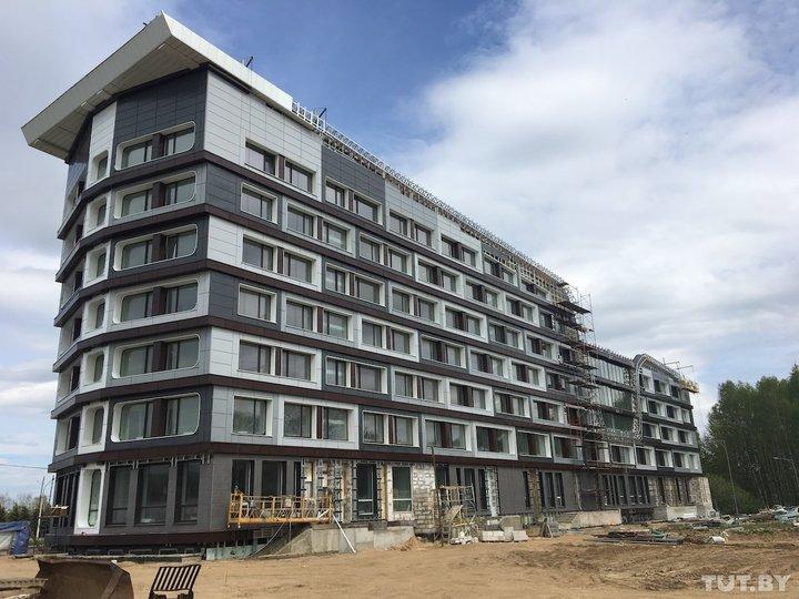 Город расторг с компанией инвестдоговор, когда она уже почти достроила гостиницу на Победителей