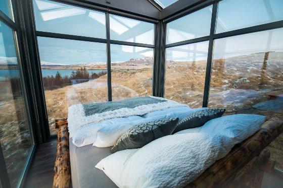 Дом в Исландии со стеклянными стенами